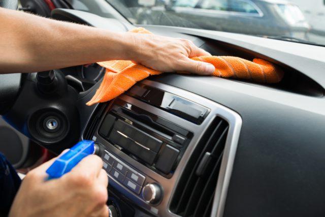 binnenkant auto schoonmaken