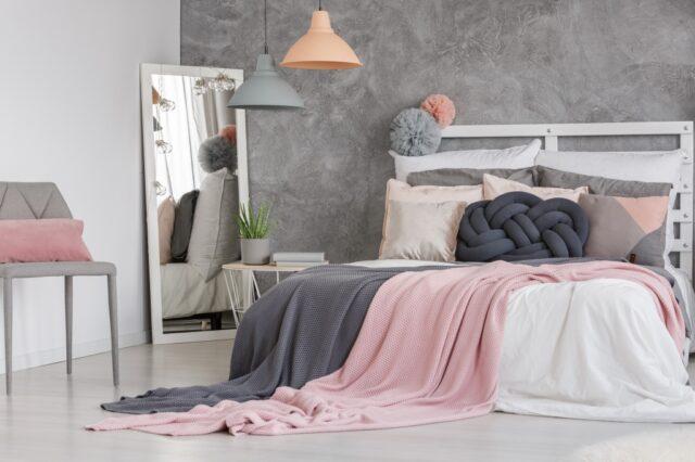 slaapkamer roze grijs