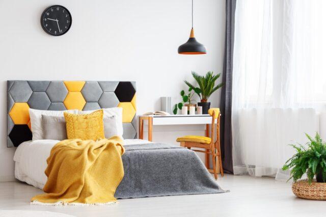 okergeel slaapkamer