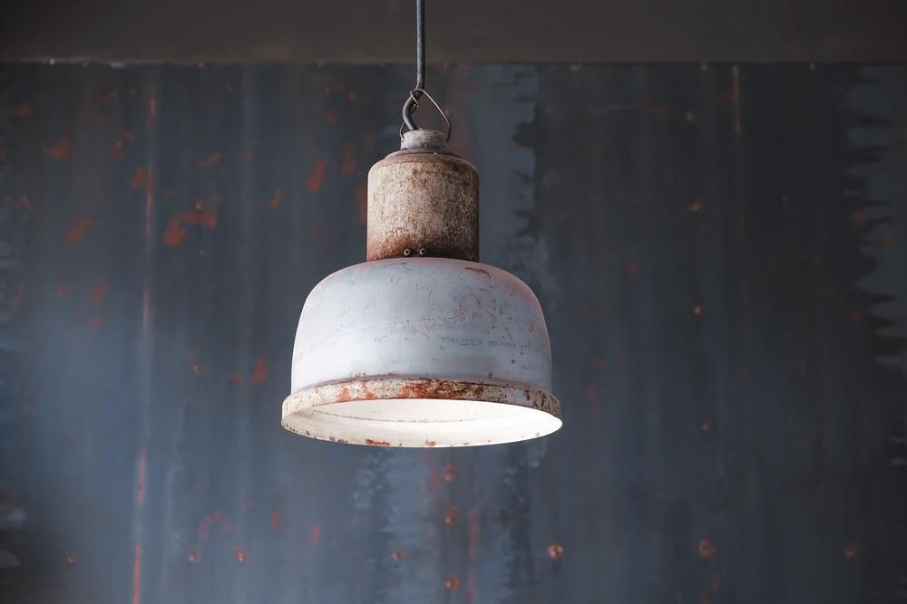 Industriële hanglampen voor aan het plafond